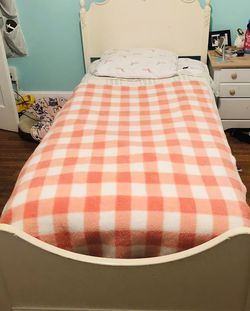 Girl Twin Bed for Sale in Sayreville,  NJ