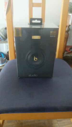 Studio 3 wireless Beats over ear headphones for Sale in Irvine, CA