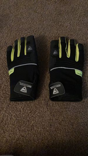 West Chester Yeti Gloves for Sale in Ephrata, PA
