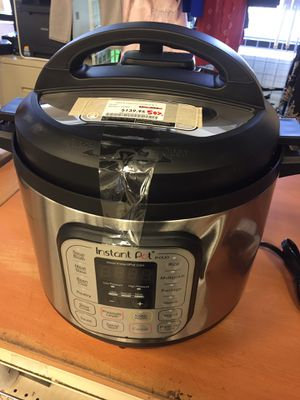 Instant pot 8 qt 7 in 1 for Sale in San Lorenzo, CA