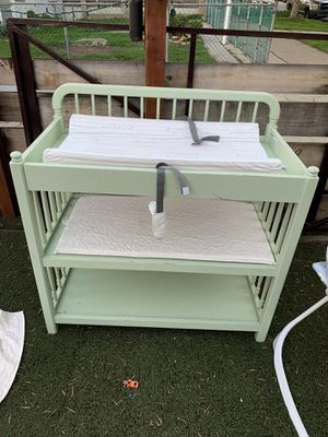 Changing diaper table for Sale in Chula Vista, CA