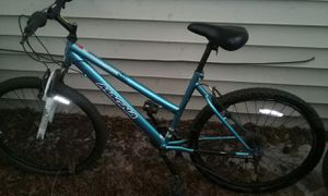 Magna mountain bike for Sale in Cleveland, OH
