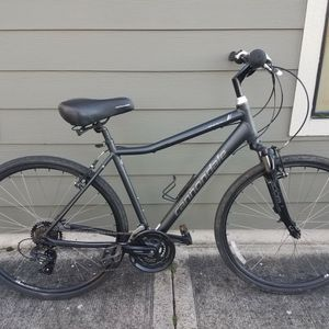 2020 Cannondale Adventure 3. Touring/commuter bike. Extremely comfortable! for Sale in Portland, OR