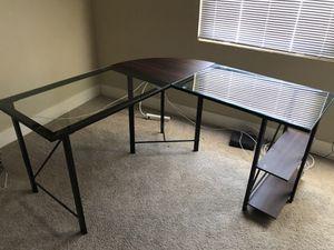 Corner desk for Sale in Riverside, CA