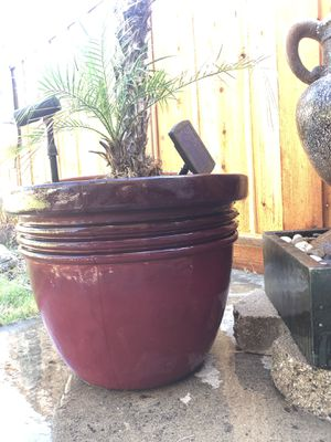 Plastic Flower pot for Sale in Stockton, CA