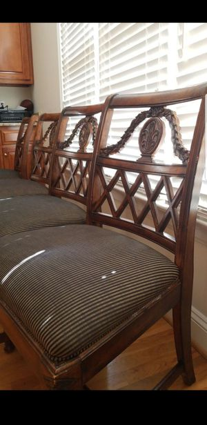 Formal dining room round table and 6 chairs for Sale in Chesterfield, VA
