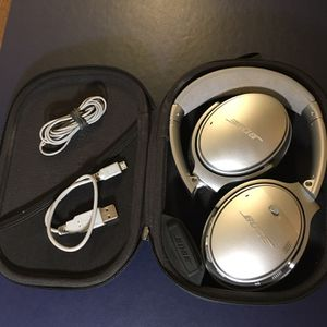 BOSE QuietComfort 35 Wireless Bluetooth Noise Cancelling Headphones: Luxury Audio, Rare Matte Silver!! for Sale in Denver, CO