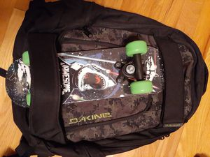 Dakine snowboard skateboarding Backpack for Sale in New Britain, CT