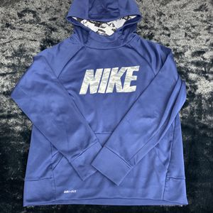 Nike Dri Fit Youth Large Hoodie! for Sale in Mason, OH