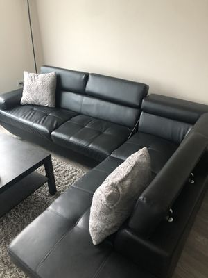 Sectional couch ( 2 piece ) for Sale in Atlanta, GA