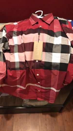 Burberry new 175$ XXL for Sale in Austin, TX