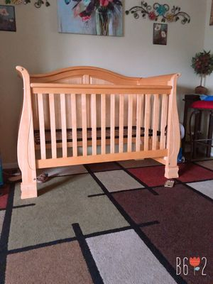 Baby Crib for Sale in Sudley Springs, VA