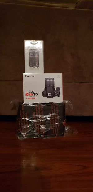 Canon EOS Rebel T6 Included With(75 - 300mm Lens and Travel Bag) for Sale in Fresno, CA