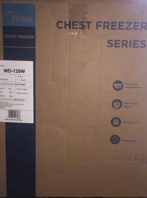 Midea Dual Mode Chest Freezer WD-130WA for Sale in Orange Park, FL