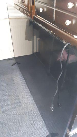 75 inch lost remote for Sale in Williamsport, PA