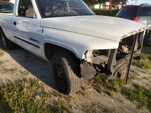 FENDER RIGHT - 2001 DODGE RAM 1500 TRUCK FOR PARTS for Sale in Largo, FL
