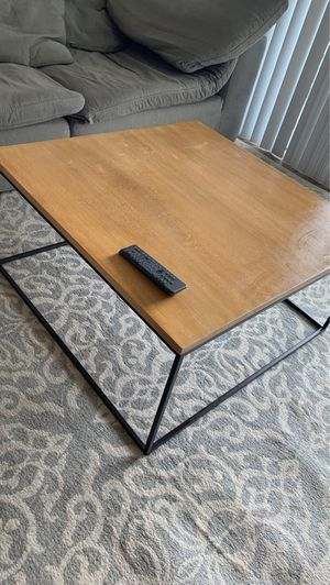 Wooden Coffee Table for Sale in FL, US
