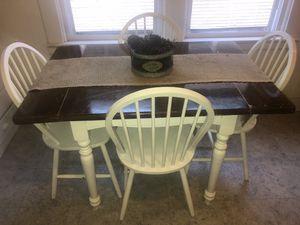 Kitchen table w/ chairs for Sale in Warren, MI
