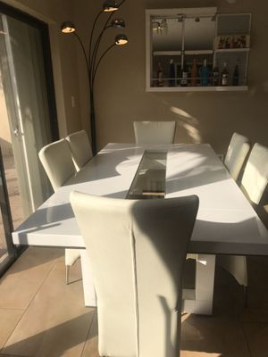 Dining table in good condition.!!! for Sale in FL, US