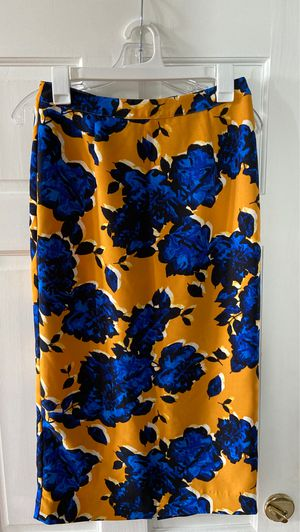 Pencil Skirt size 4 for Sale in Bolingbrook, IL