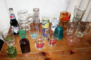 misc lot of collectible vintage glass(es). See description for prices. I've posted this for my mom. Pick up in Pearland near Food Town. FCFS please. for Sale in Pearland, TX