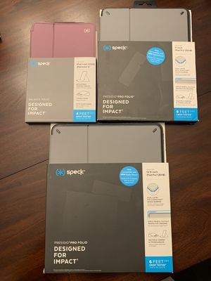 iPad Case bundle: All for $30 or Trades for Sale in Fresno, CA