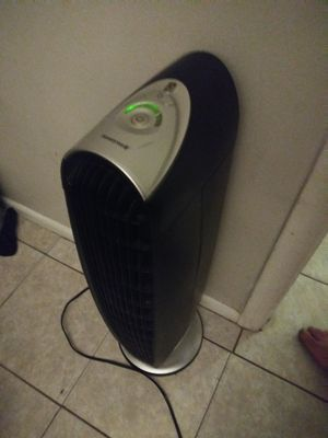 Honeywell QuietClean HFD-120-Q Tower Air Purifie for Sale in Clearwater, FL