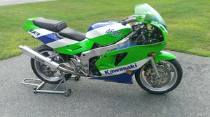 Kawasaki ZX750 Ninja COMPLETE PART OUT for Sale in Arlington Heights, IL