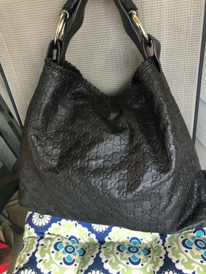 Gucci shoulder bag for Sale in San Antonio, TX