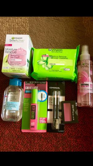 Brand New Beauty Bundle😍 for Sale in Ballwin, MO