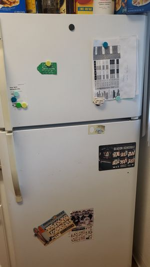 Refrigerator, Kenmore , 2007 model good condition for Sale in Anaheim, CA