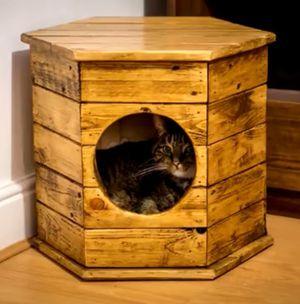 WOOD CAT HOUSE 🐈 for Sale in Alafaya, FL