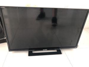Sony Bravia 32 inch tv for Sale in Miami, FL