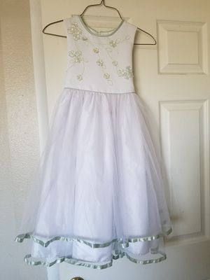 White dress 6T for Sale in Mesa, AZ