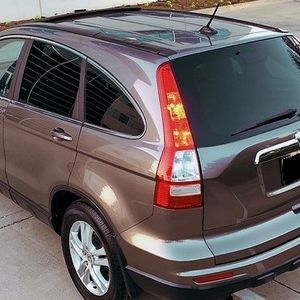 HONDA CRV Gas Saver SUV for Sale in Cleveland, OH