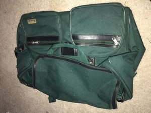 green duffle bag for Sale in Mentor, OH
