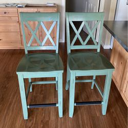 4 Bar Stools for Sale in Newberg,  OR