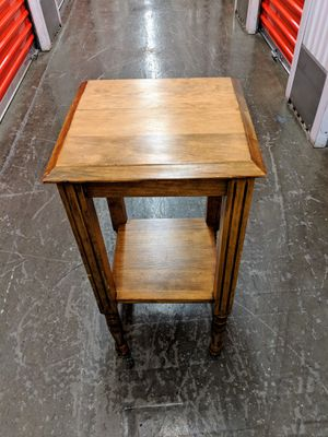 Vintage Antique side table, accent table, telephone table in excellent condition for Sale in Phoenix, AZ