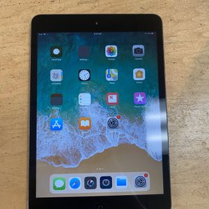 Apple iPad Mini 2 Space Gray 16GB for Sale in Huntington Beach, CA