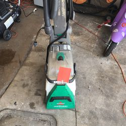Bissell Carpet Shampooer for Sale in Houston,  TX