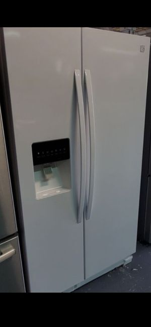 WHITE KENMORE REFRIGERATOR LIKE NEW for Sale in La Habra Heights, CA