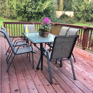 Outdoors Dinning Set for Sale in Buckley, WA