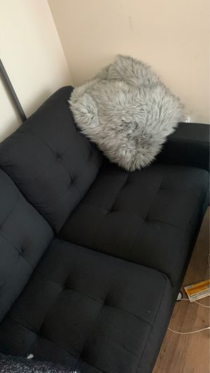 L shaped couch for Sale in Los Angeles, CA
