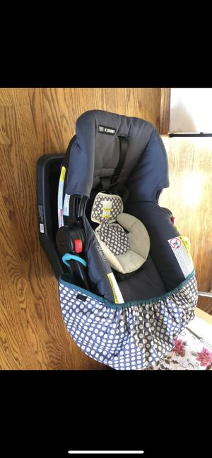 Graco car seat click connect for Sale in Half Moon Bay, CA