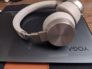 Laptop Lenovo yoga c930 as well as lenovo yoga headphones Immaculate condition for Sale in Marina, CA