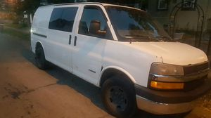 04 Chevy express van for Sale in Columbus, OH