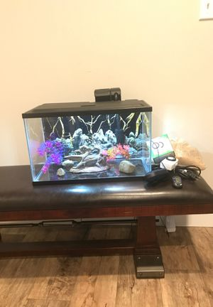 10g aquarium w/ accessories for Sale in Lake Stevens, WA