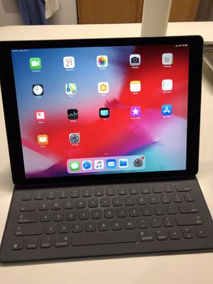 iPad Pro 12.9 2nd generation, cellular for Sale in Alexandria, VA
