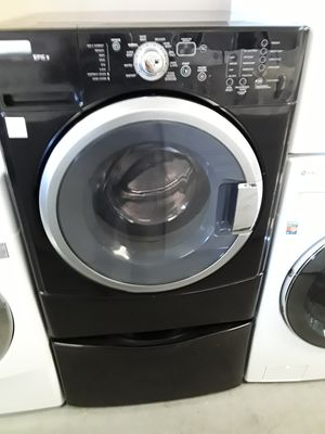 Maytag Epic Z Front Load washer for Sale in Las Vegas, NV