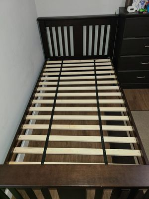 Twin bed frame/Base de cama individual. for Sale in San Leandro, CA